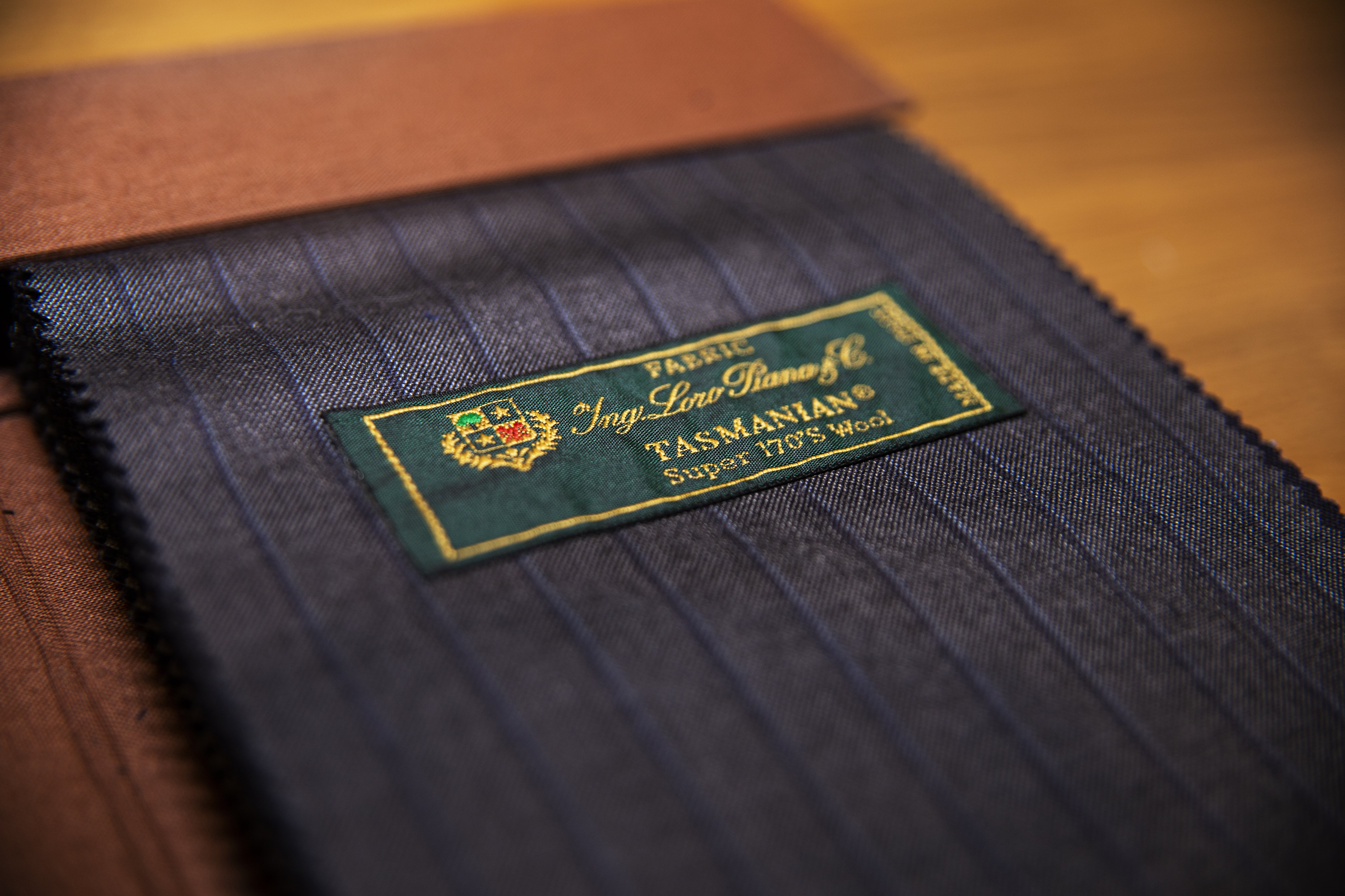 Nowy katalog z tkaninami od Loro Piana.